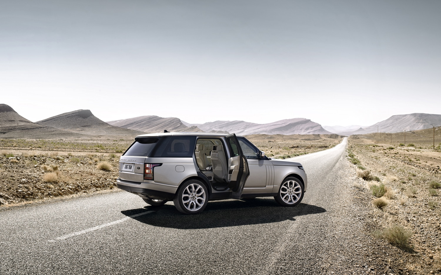 2013 Land Rover Range Rover Rear Three Quarters 3