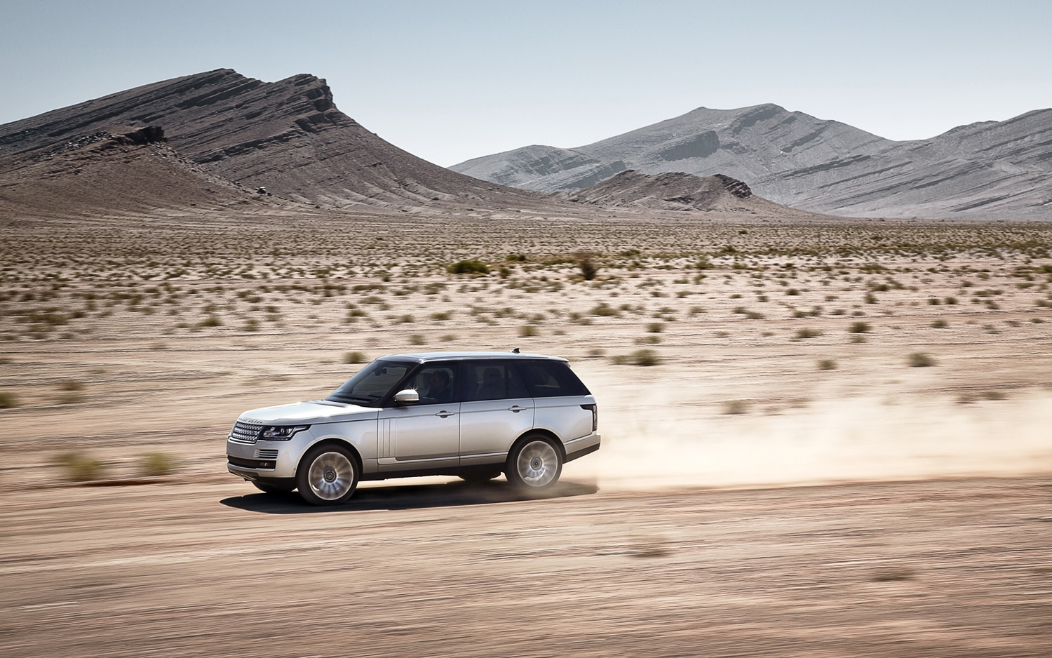 2013 Land Rover Range Rover Side In Motion 5
