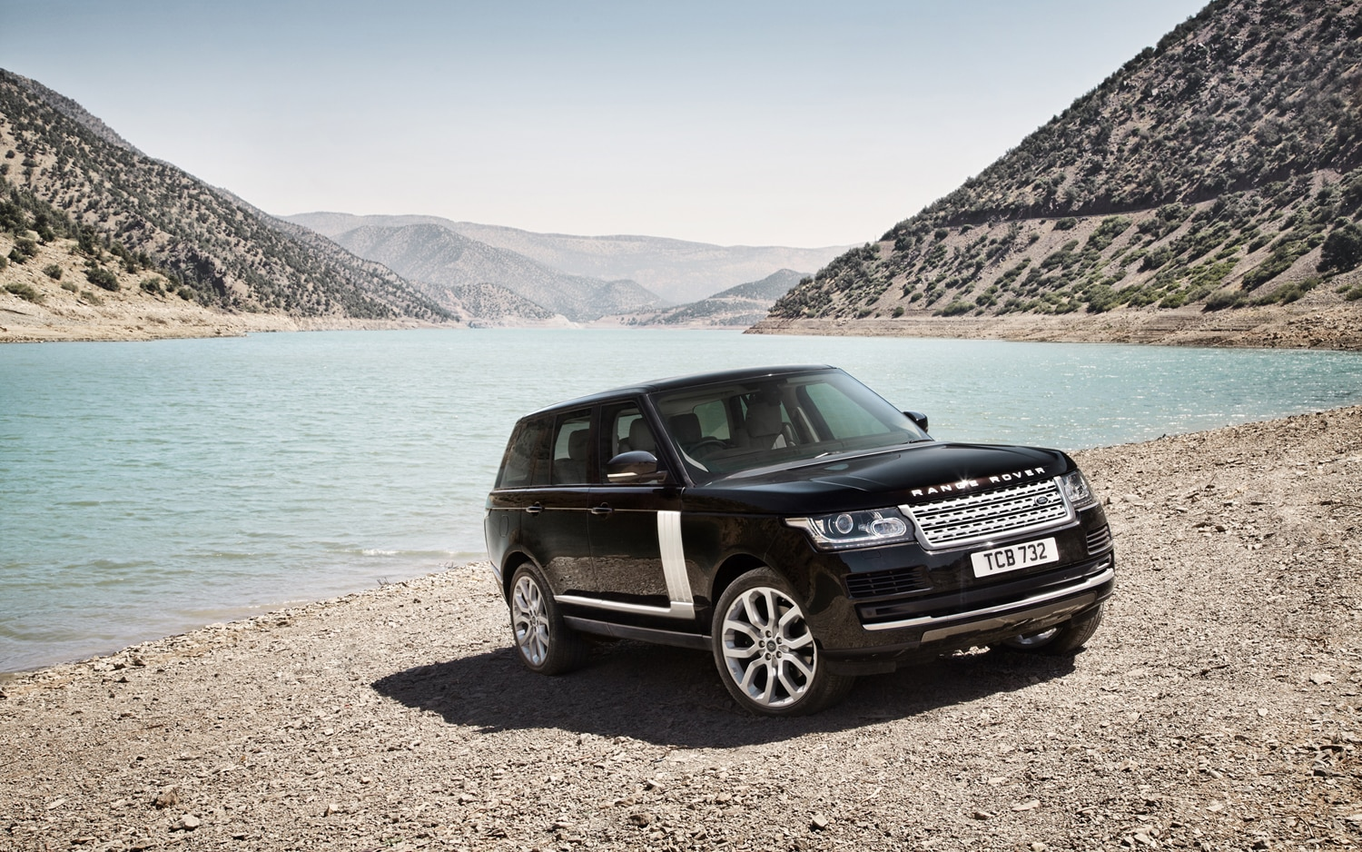 2013 Land Rover Range Rover Front Three Quarters
