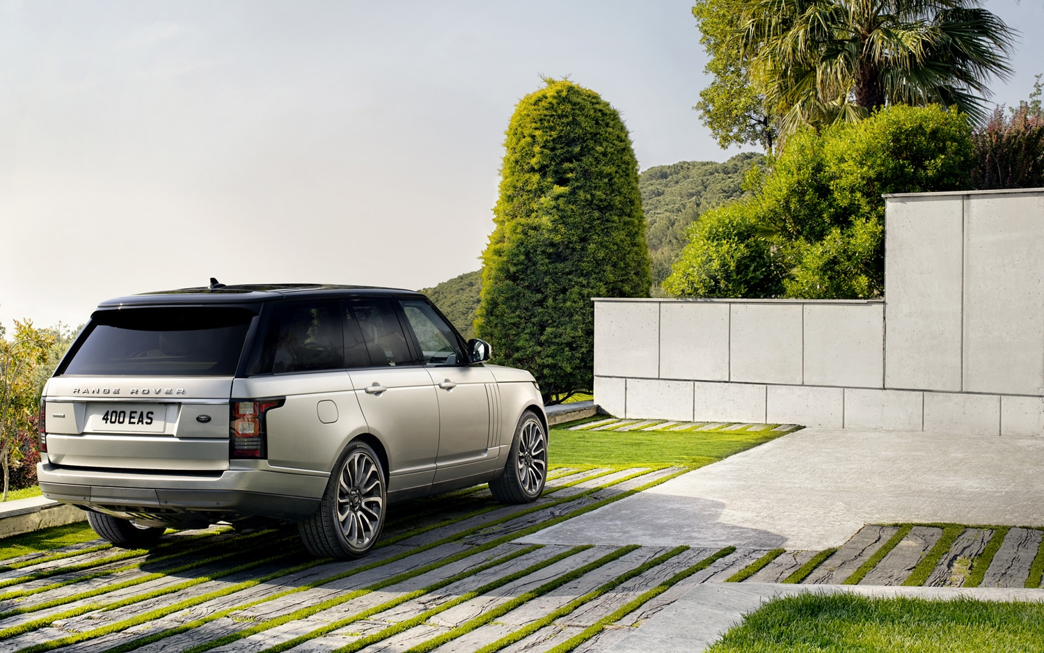 2013 Land Rover Range Rover Rear End