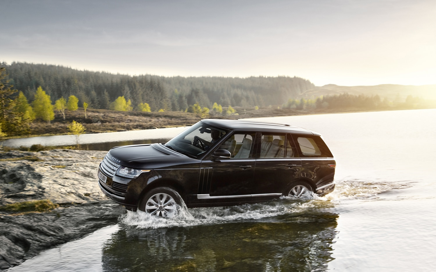 2013 Land Rover Range Rover Side In River