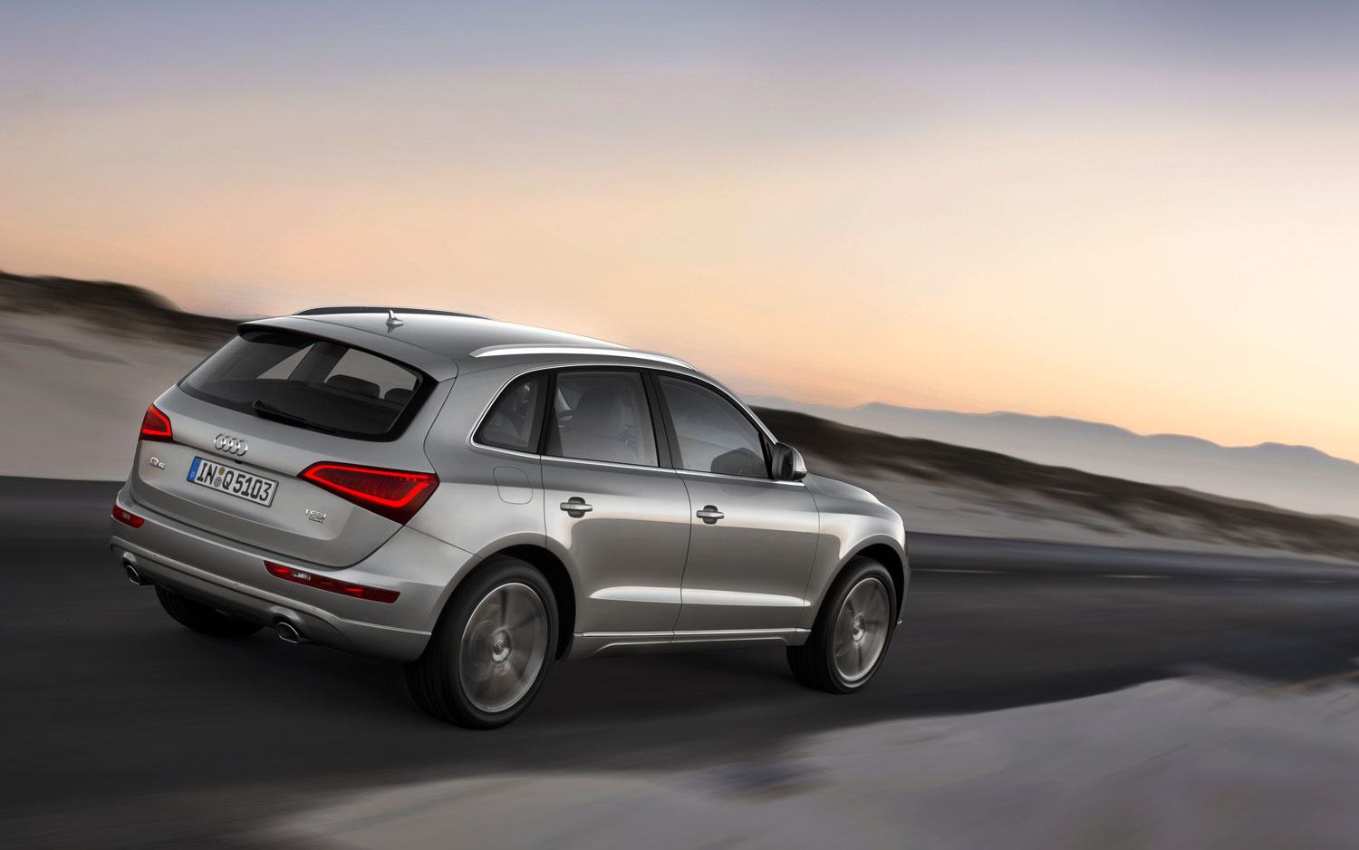 2013 Audi Q5 Right Rear Driving