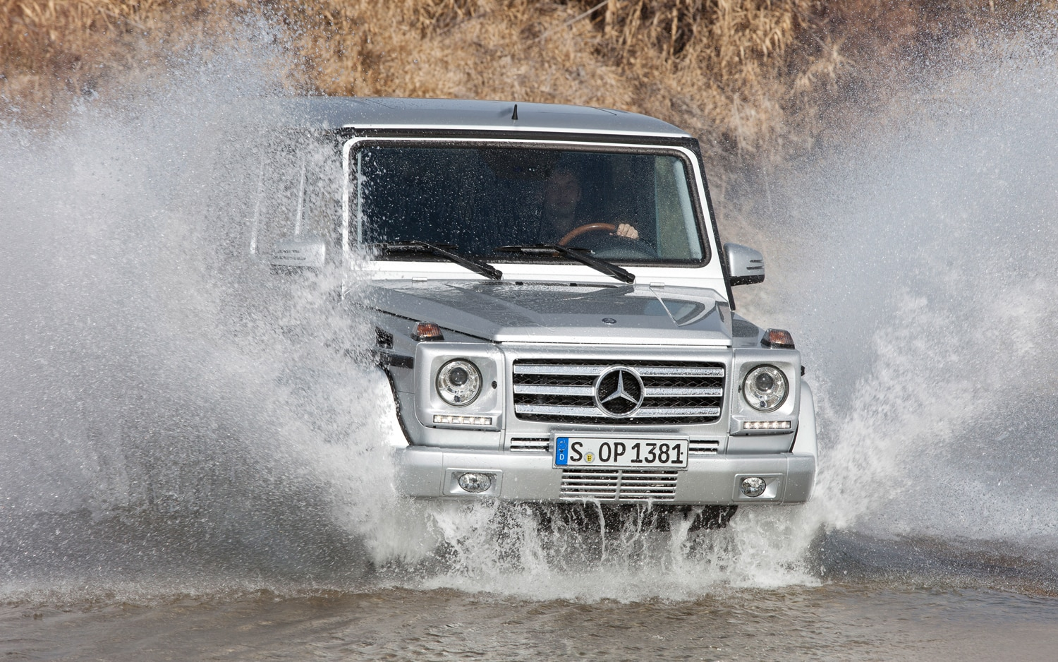 2013 Mercedes Benz G Class Front End In Water