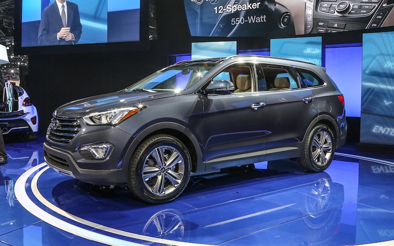 Hyundai Debuts All-New 2013 Santa Fe at LA Auto Show