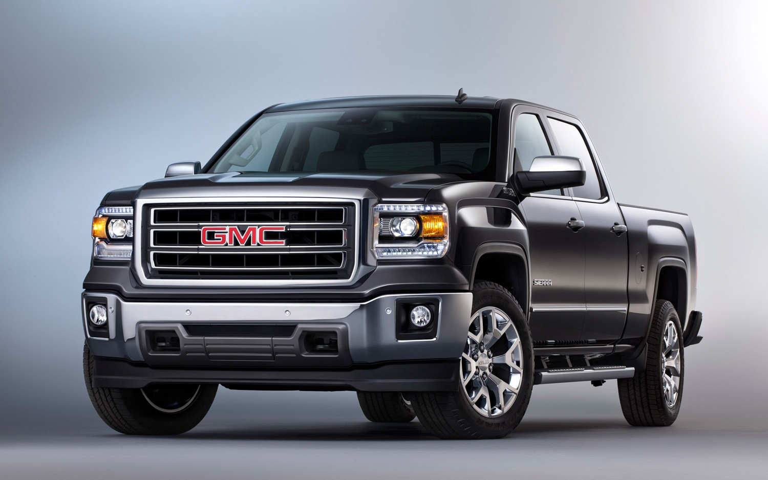 2014 GMC Sierra Front Three Quarters