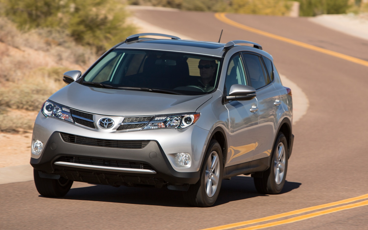 2013 Toyota RAV4 XLE Front Three Quarters
