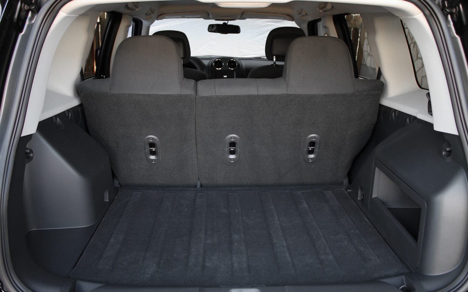 2013 Jeep Patriot Latitude 4X4 Rear Interior Cargo Space 02
