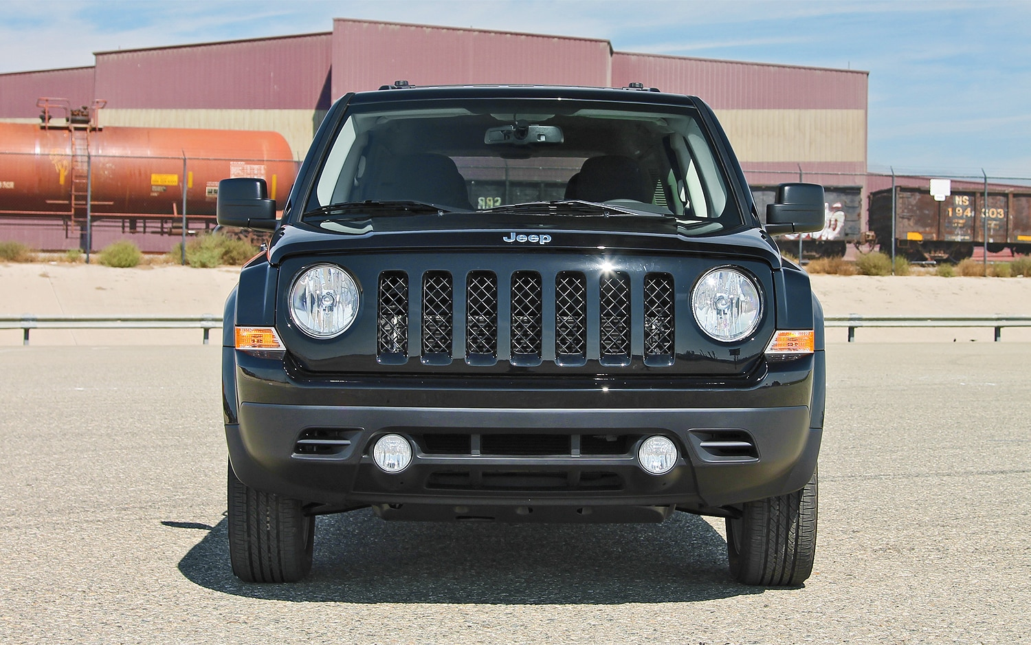 2013 Jeep Patriot Latitude 4X4 Front View  01
