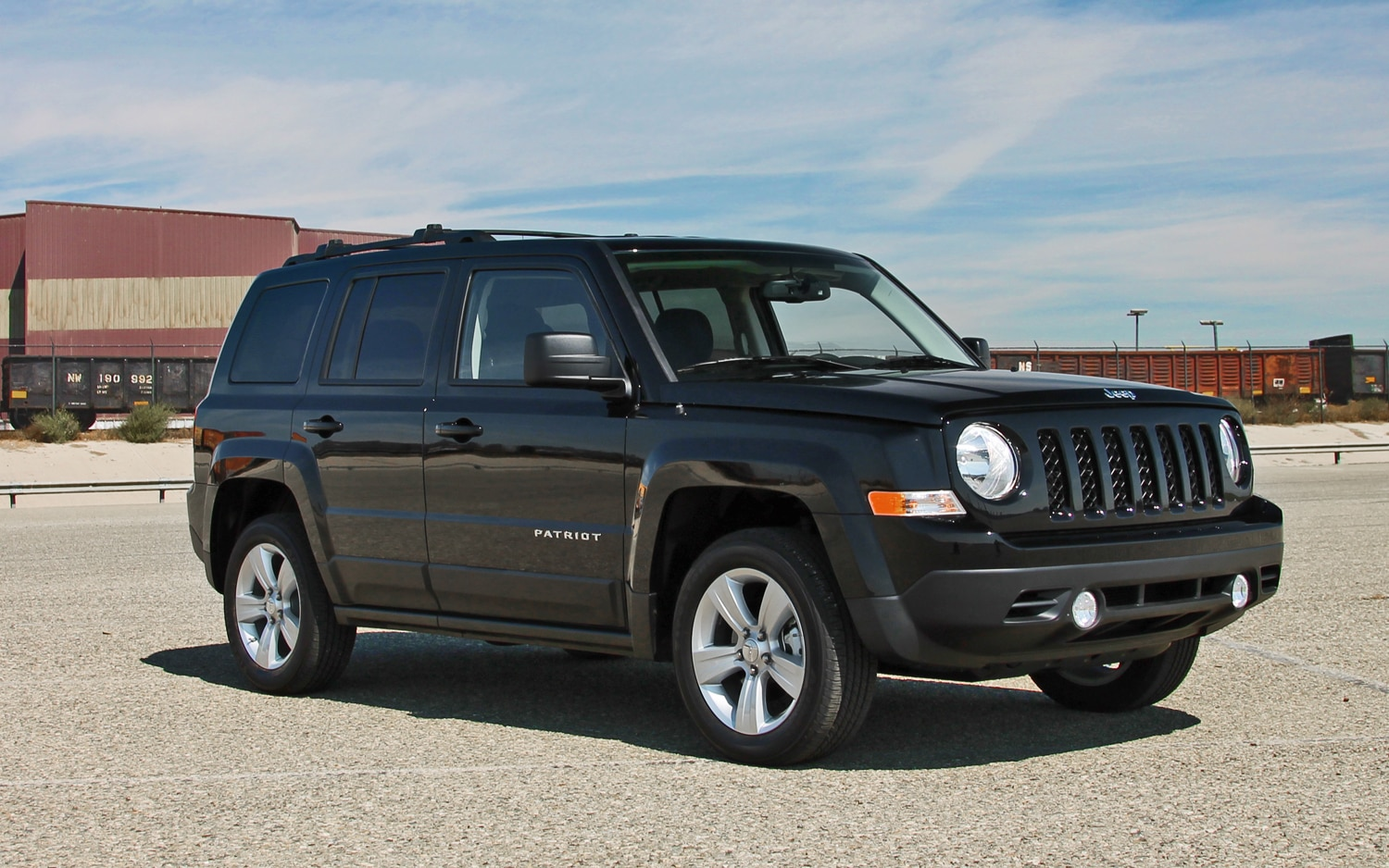 2013 Jeep Patriot Latitude 4X4 Front View  02