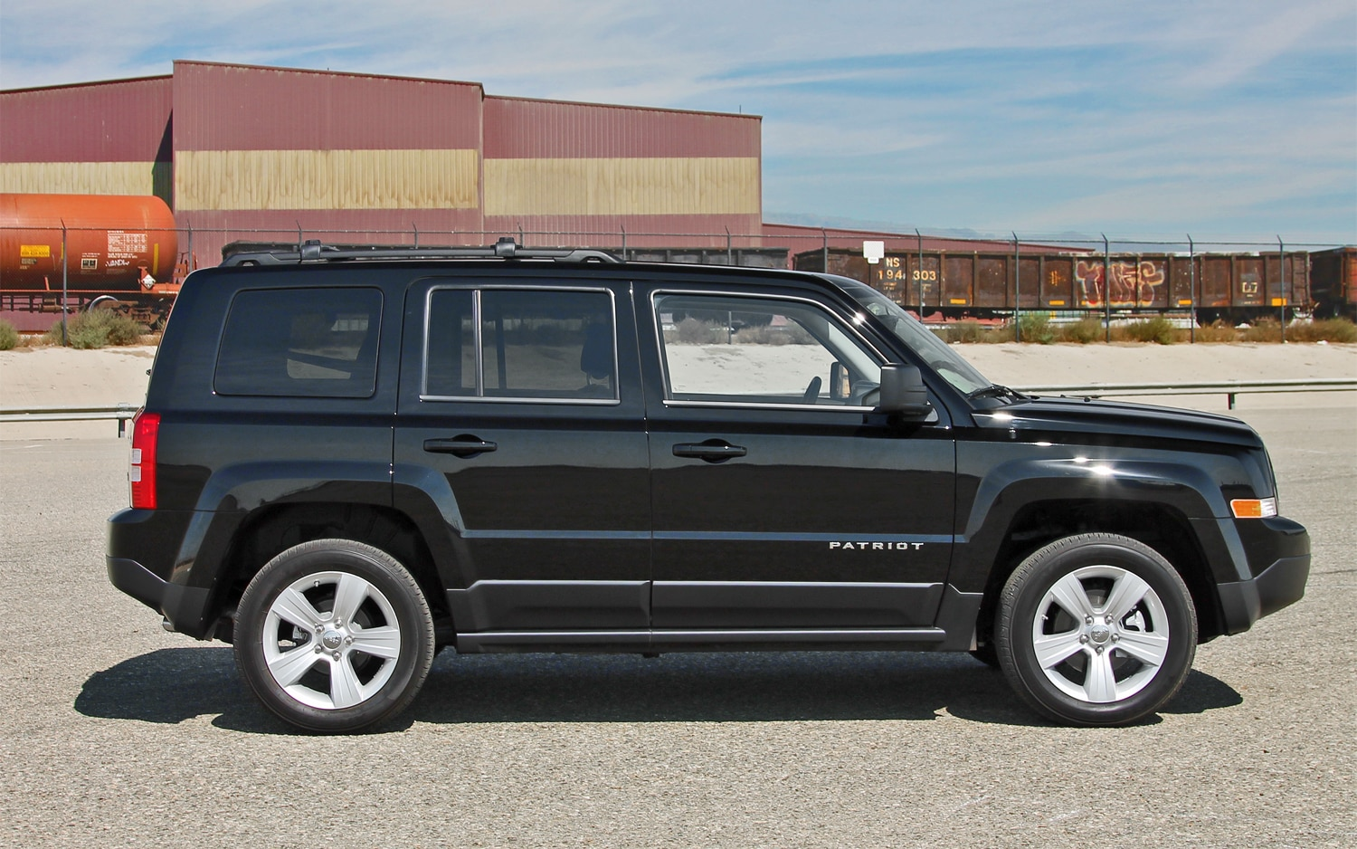 2013 Jeep Patriot Latitude 4X4 Side View 01