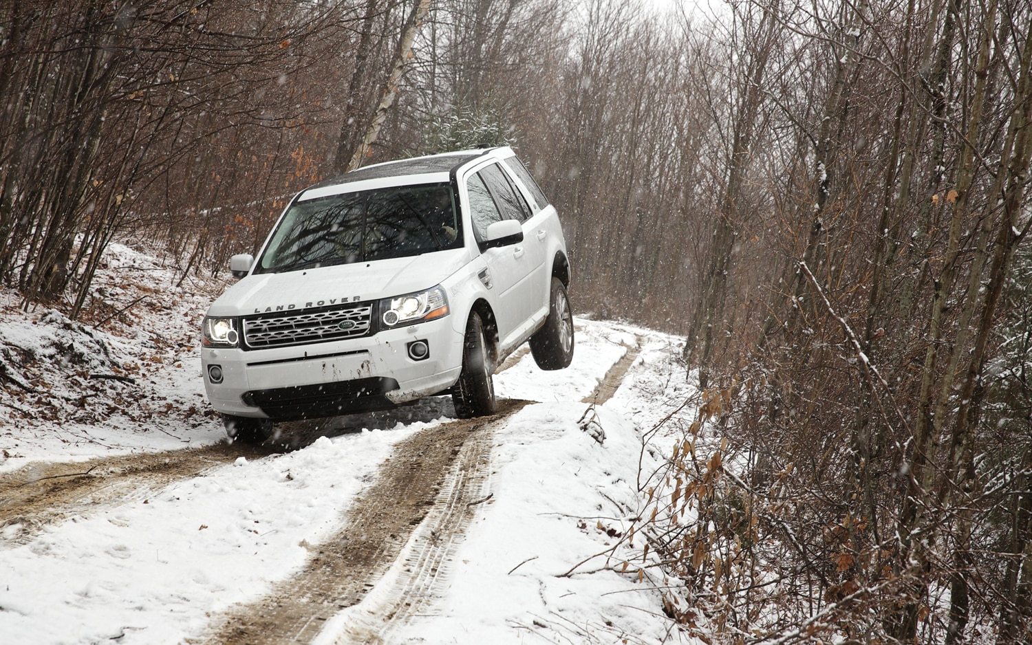 2013 Land Rover LR2 Front End Off Road 2