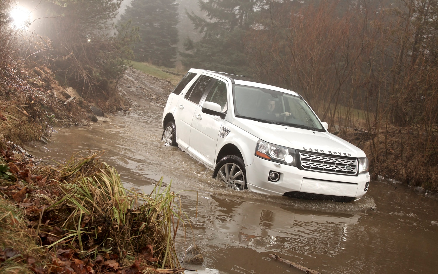 2013 Land Rover LR2 Front End In Water