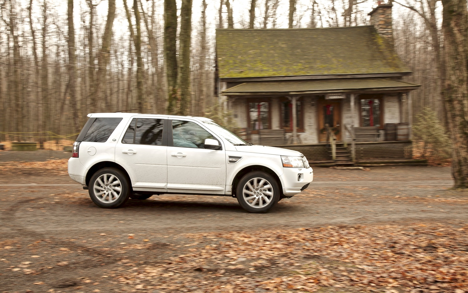 2013 Land Rover LR2 Side In Motion