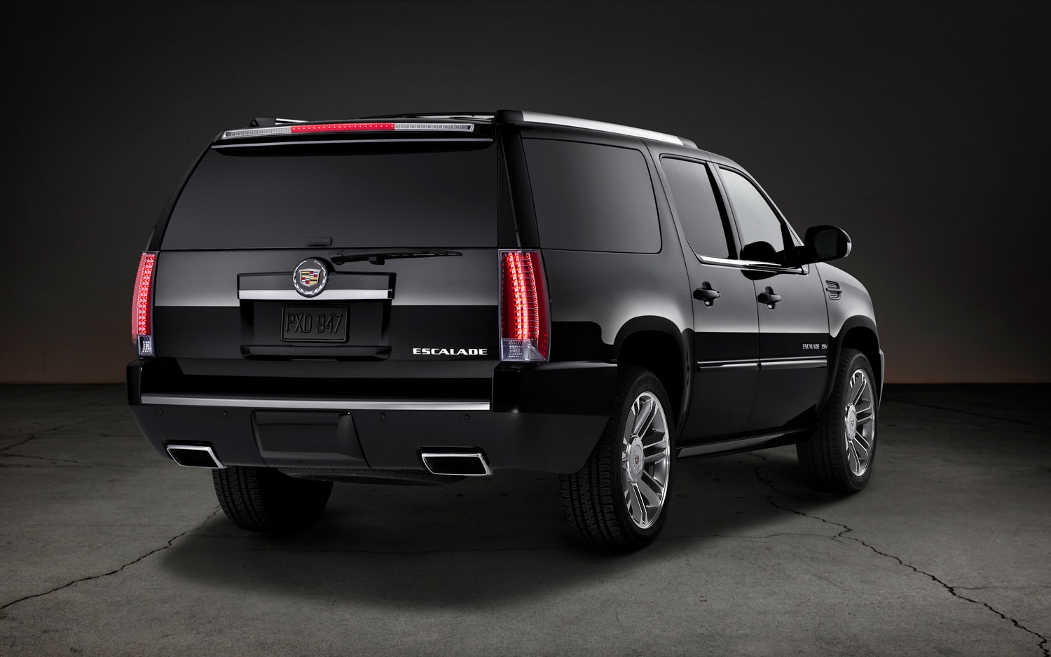 2013 Cadillac Escalade ESV Premium Rear Three Quarters