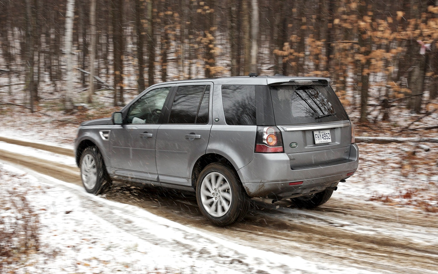 2013 Land Rover LR2 Rear 01