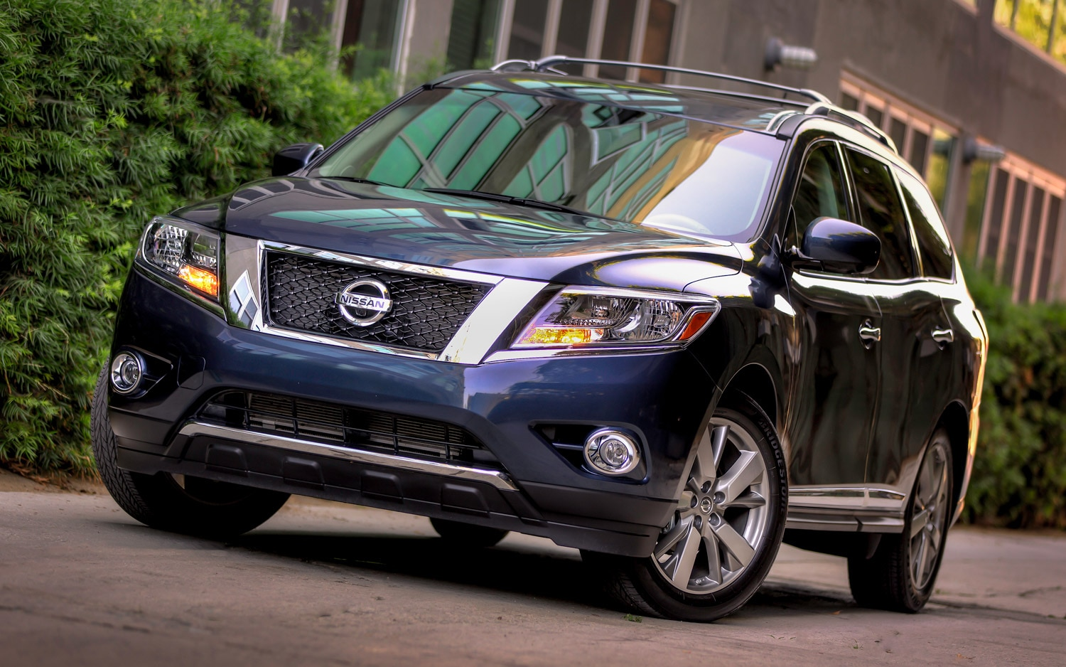 2013 Nissan Pathfinder Front In Blue