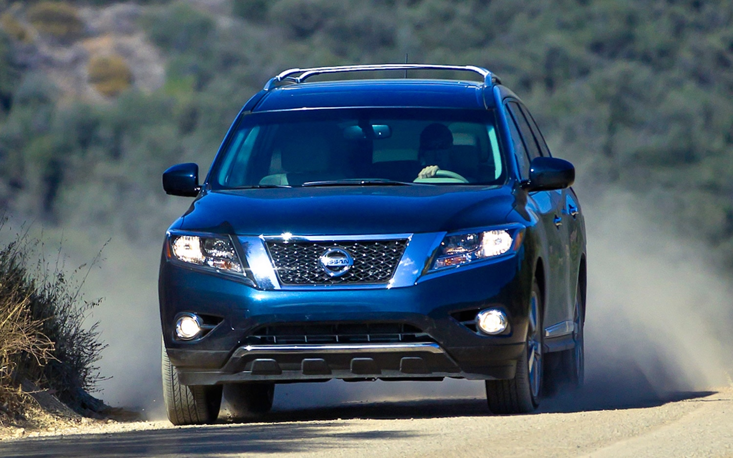 2013 Nissan Pathfinder Front Action