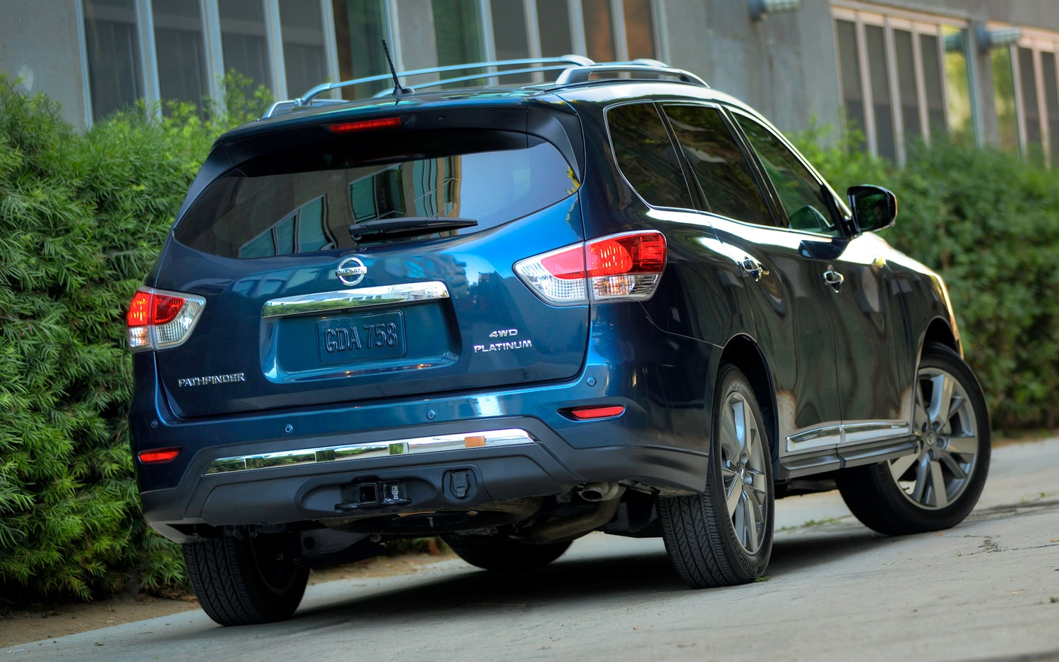2013 Nissan Pathfinder Rear Closeup