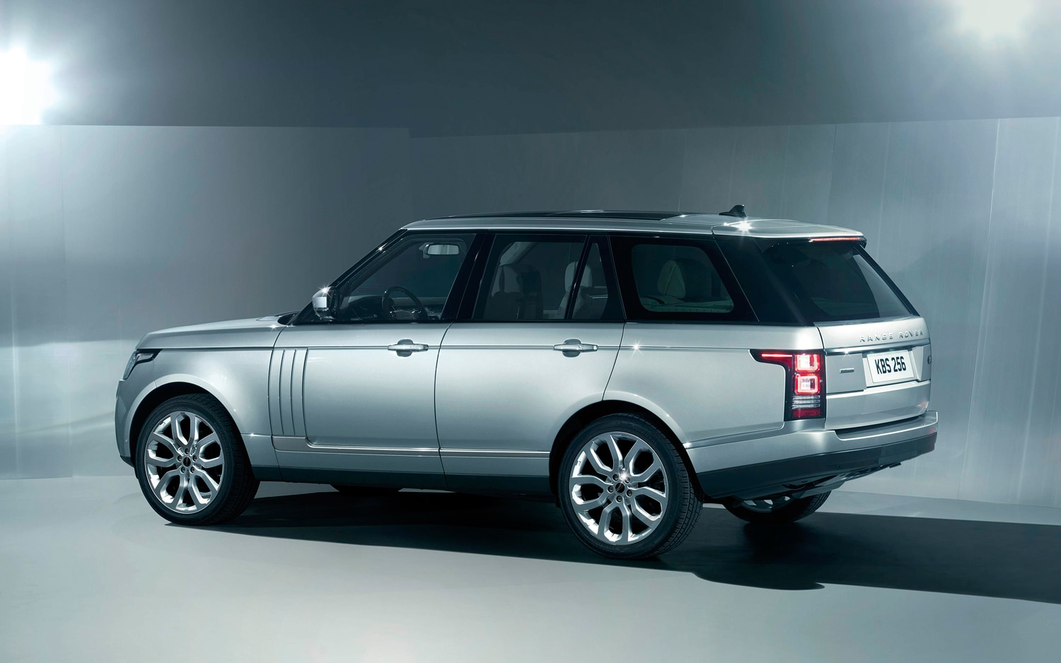 2013 Land Rover Range Rover Rear Three Quarter