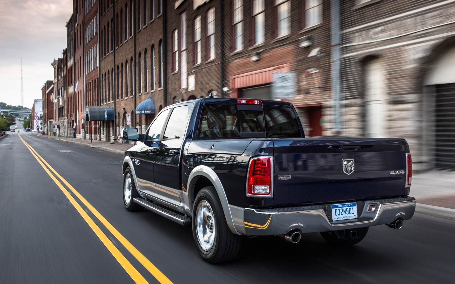 2013 Ram 1500 Rear View In Motion