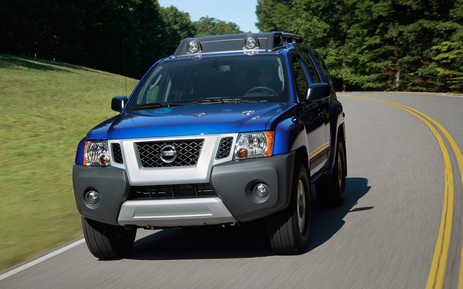 2013 Nissan Xterra Front View In Motion