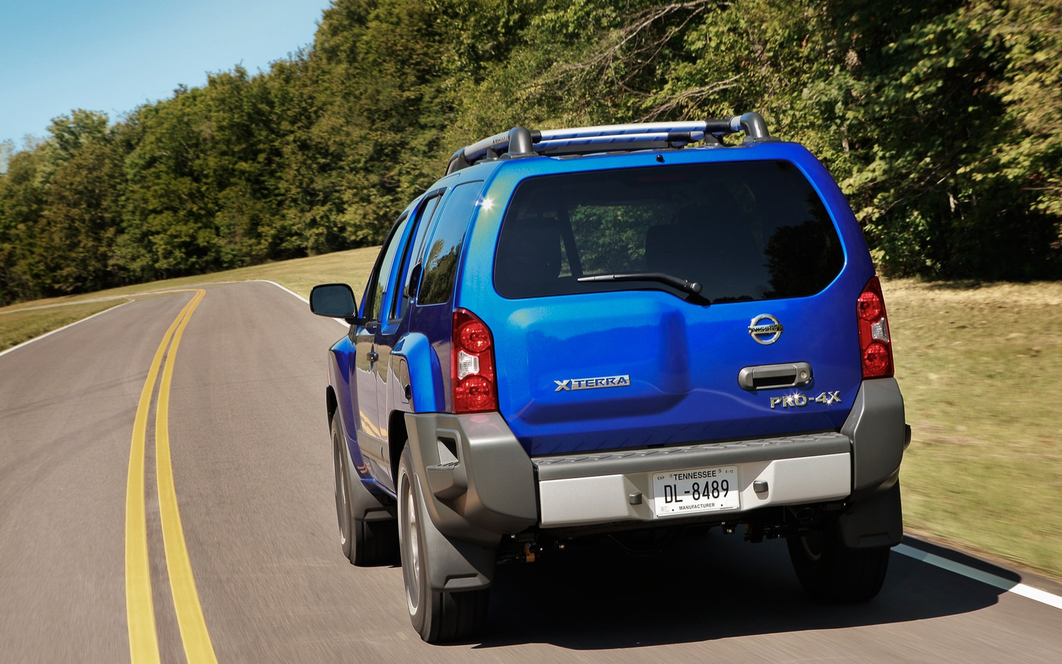 2013 Nissan Xterra Rear View In Motion