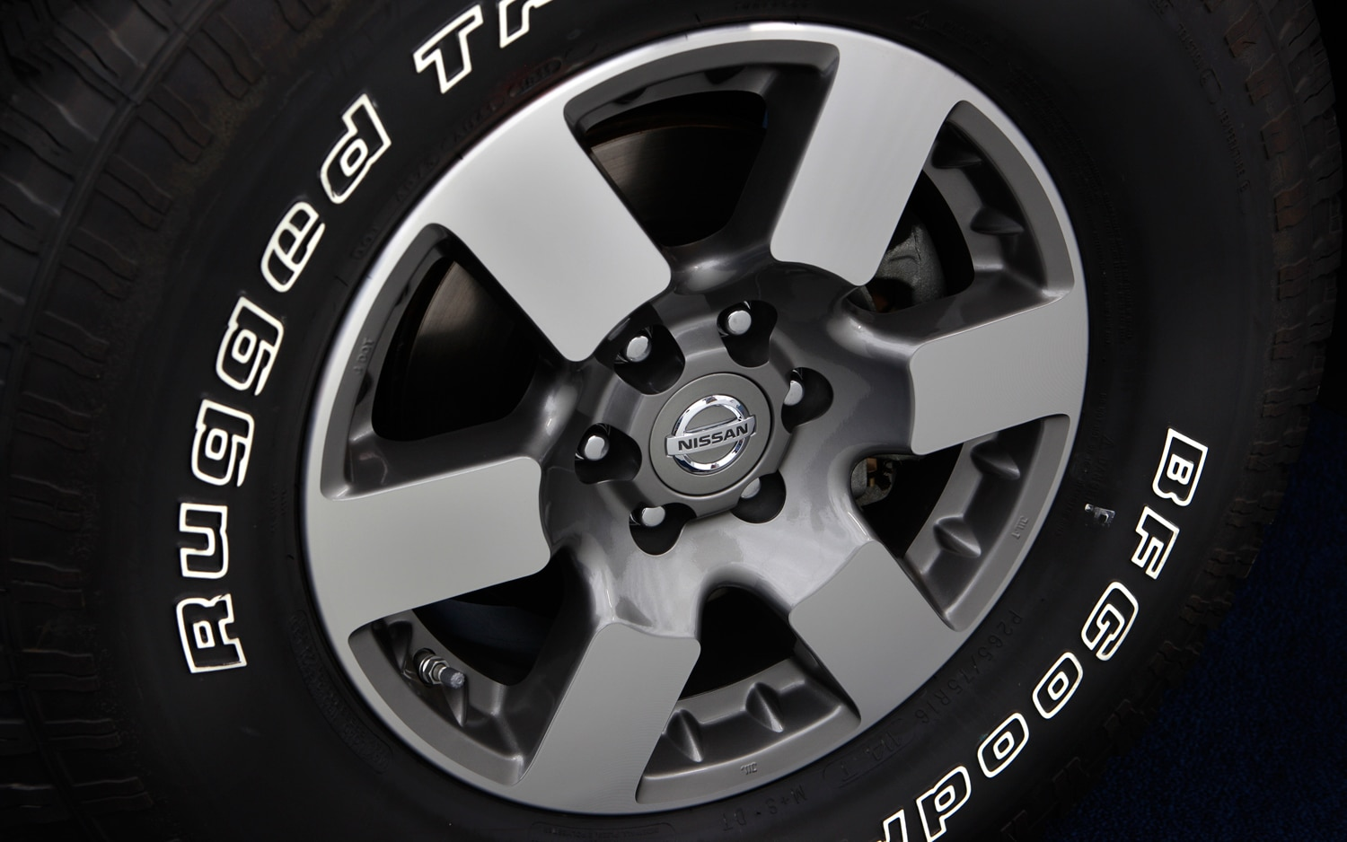 2013 Nissan Xterra Wheel