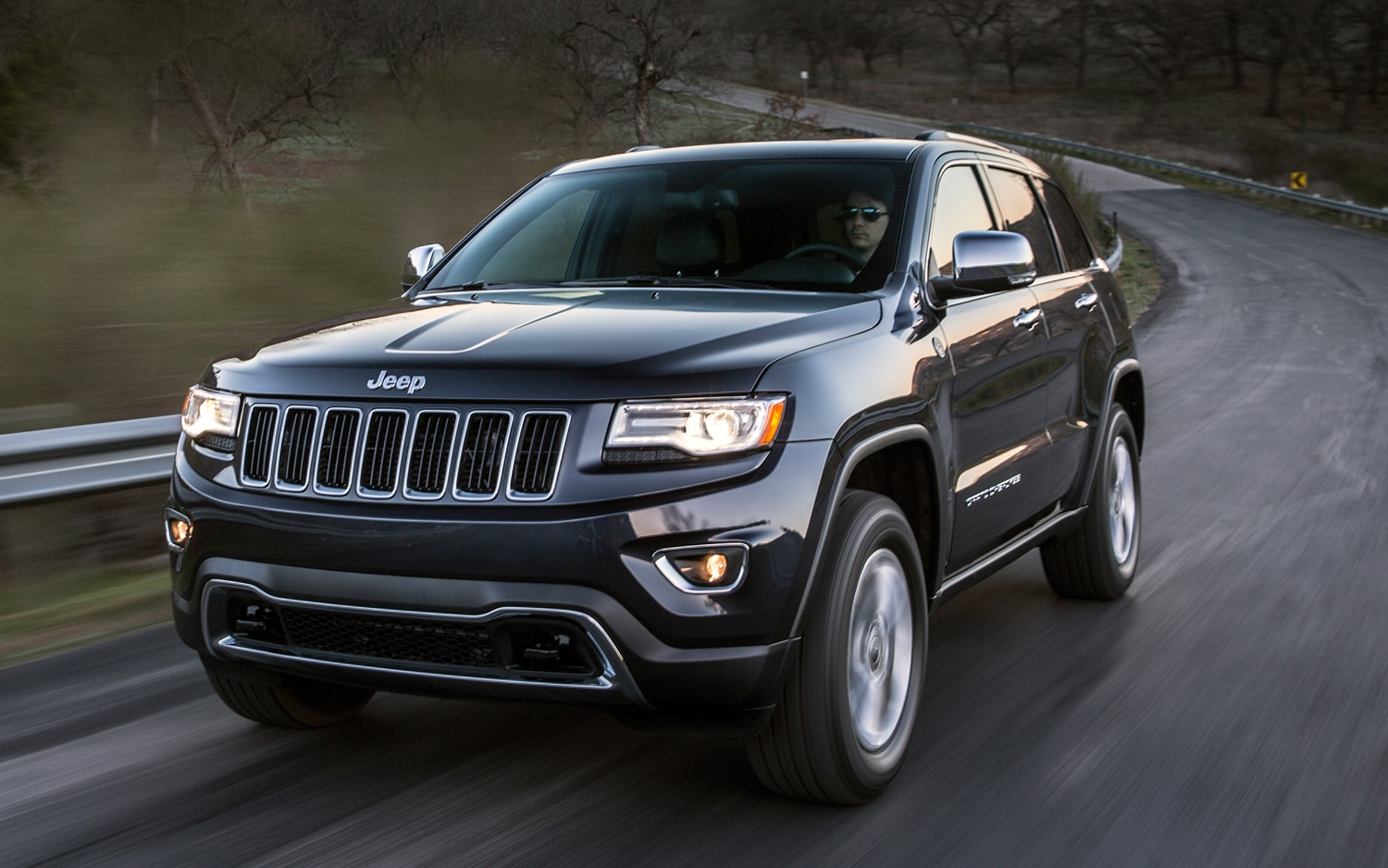 2014 Jeep Grand Cherokee Diesel Front Three Quarters In Motion View