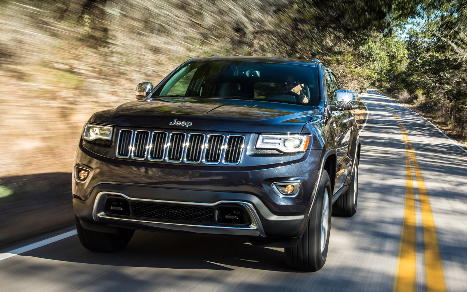 2014 Jeep Grand Cherokee Diesel Front View In Motion