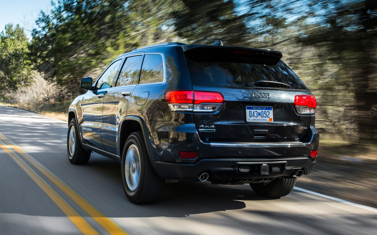 2014 Jeep Grand Cherokee Diesel Rear View In Motion