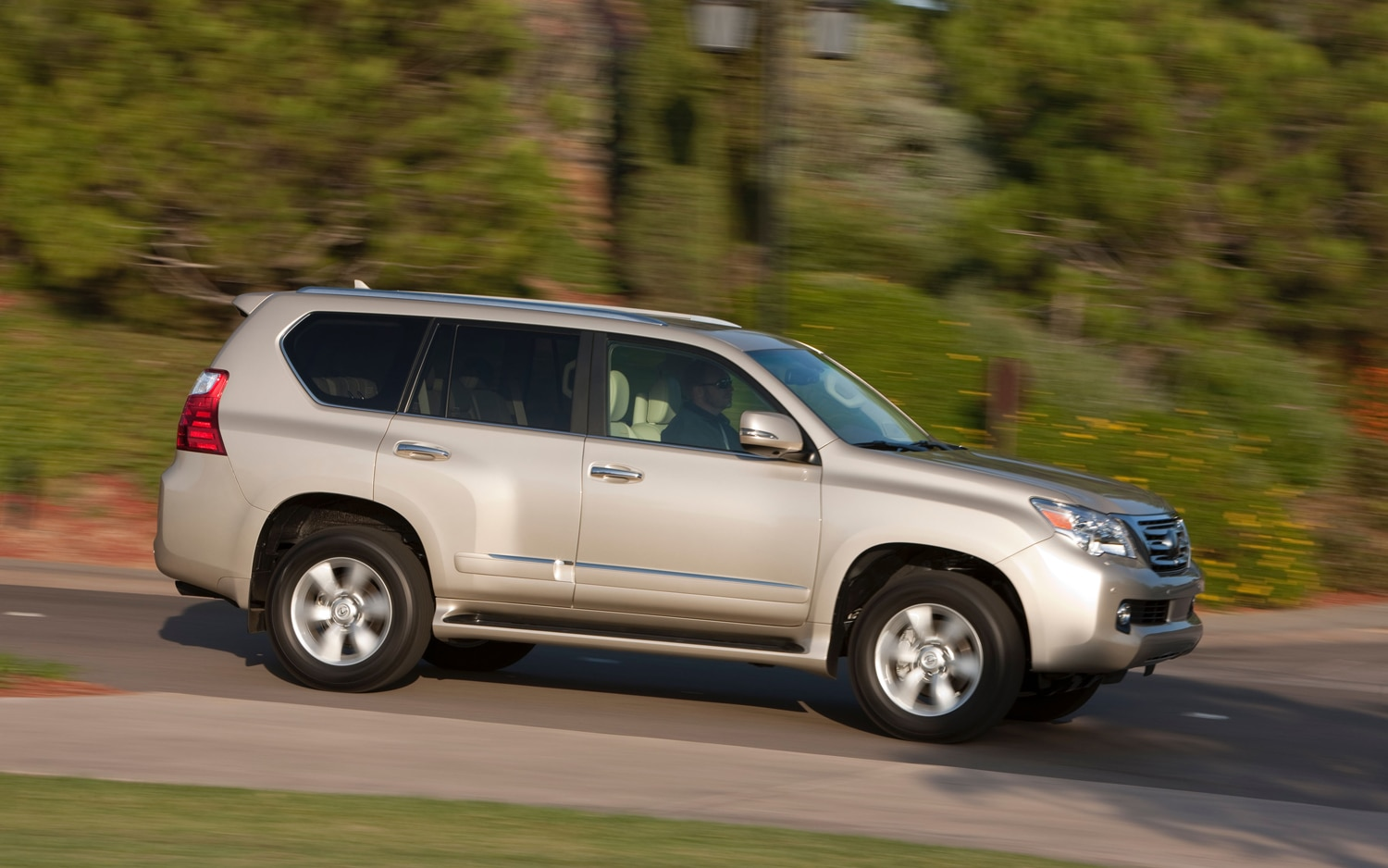 2013 Lexus GX 460 Side In Motion