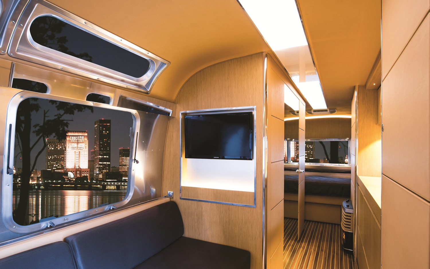 Airstream-Land-Yacht-Concept