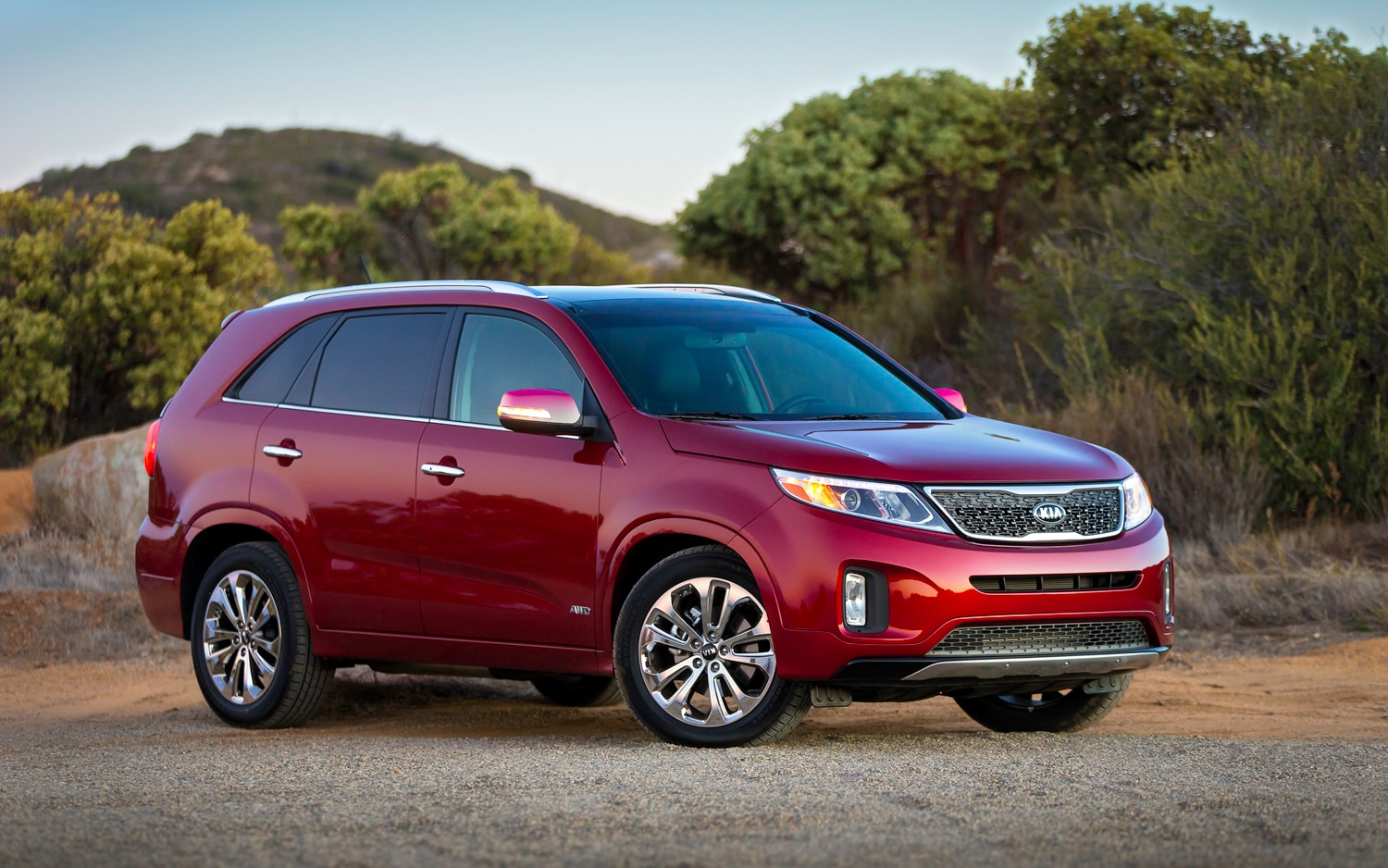 2014 Kia Sorento Front Right Side View