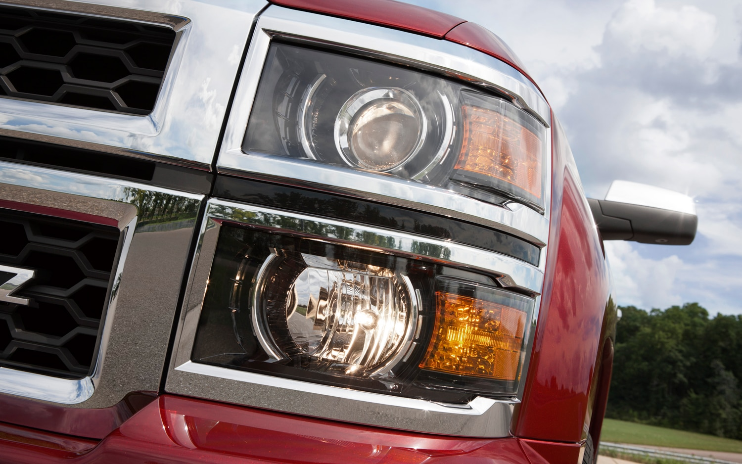 2014 Chevrolet Silverado Head Light