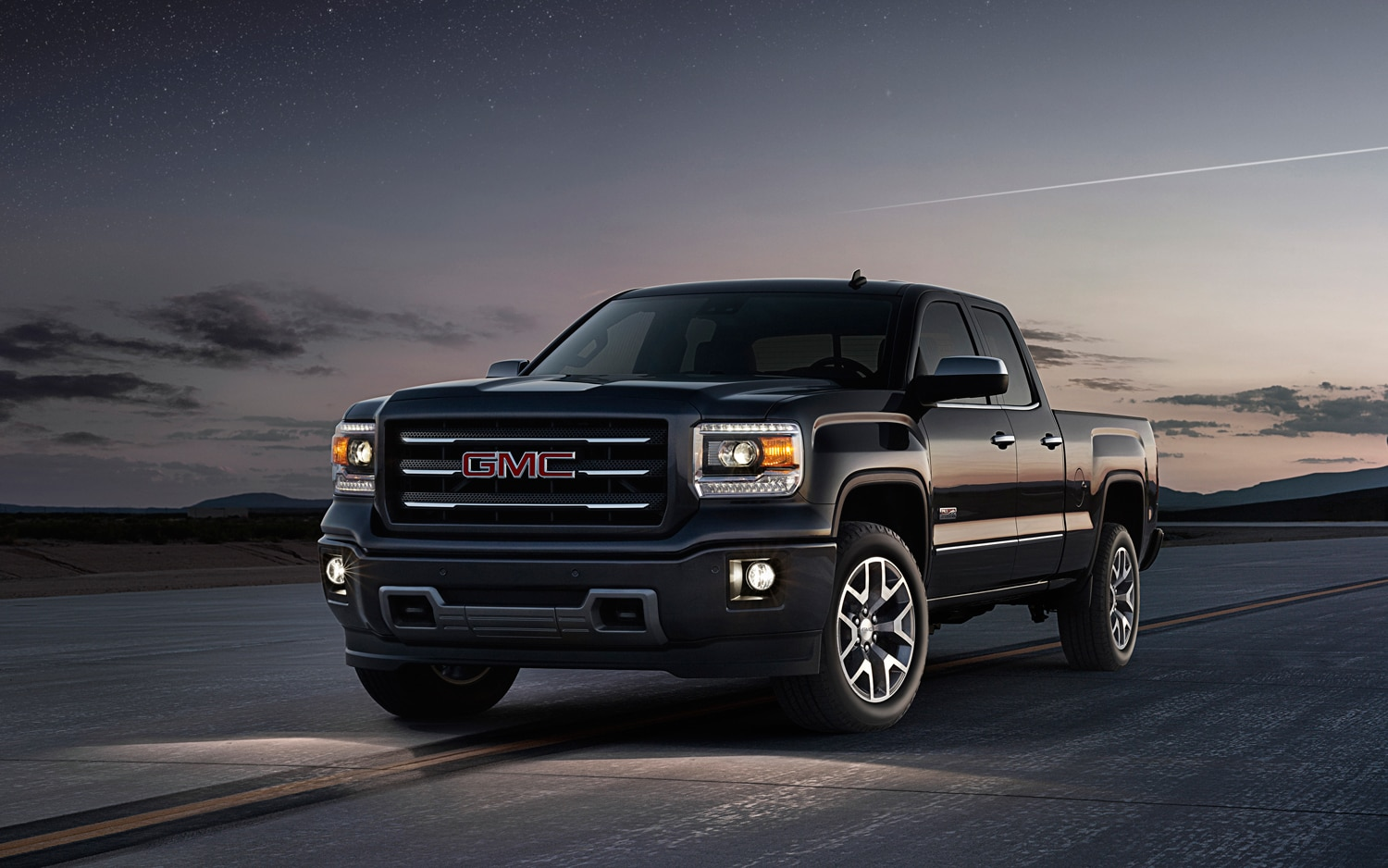 2014 GMC Sierra Front Three Quarter 2