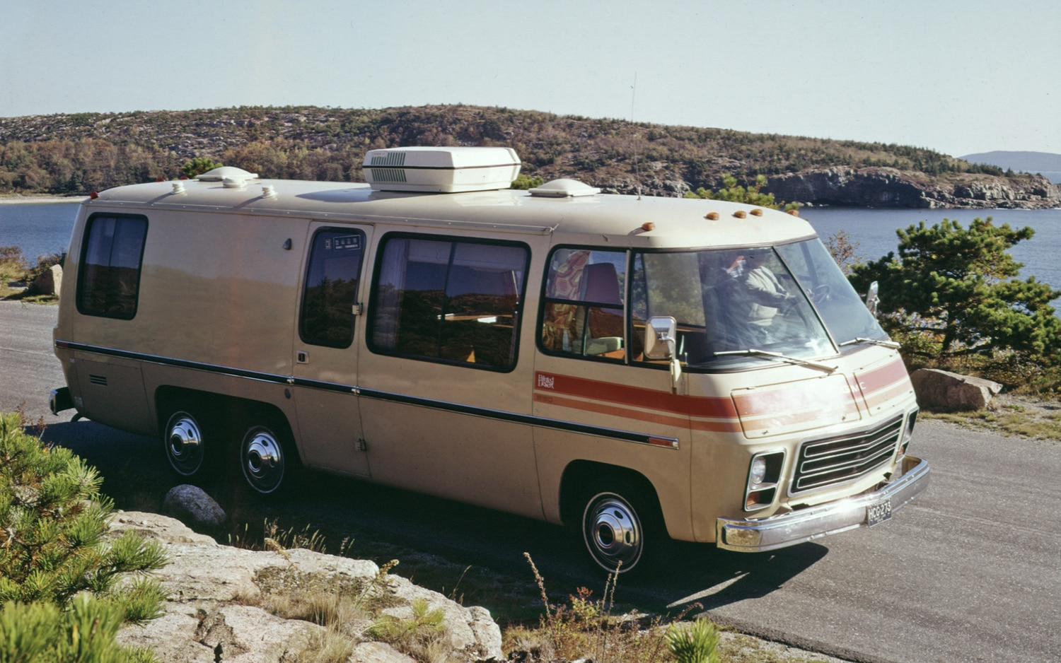1974 GMC Painted Desert Motor Home ST