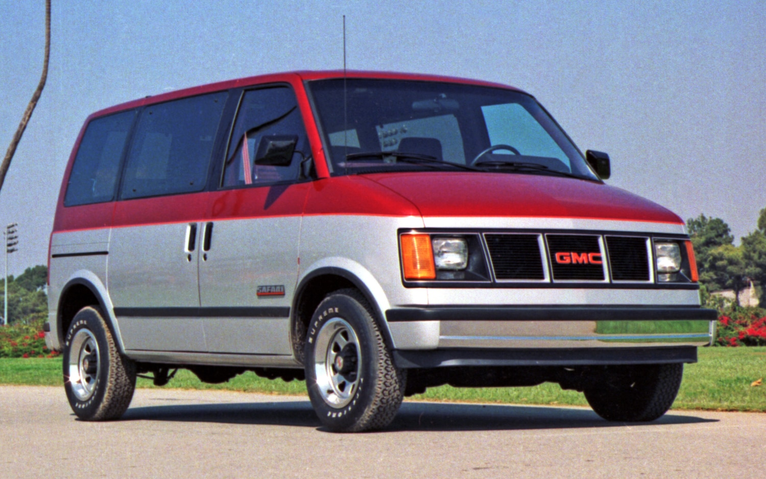 1985 GMC Safari Front