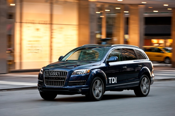 2013 Audi Q7 TDI Front View In Motion