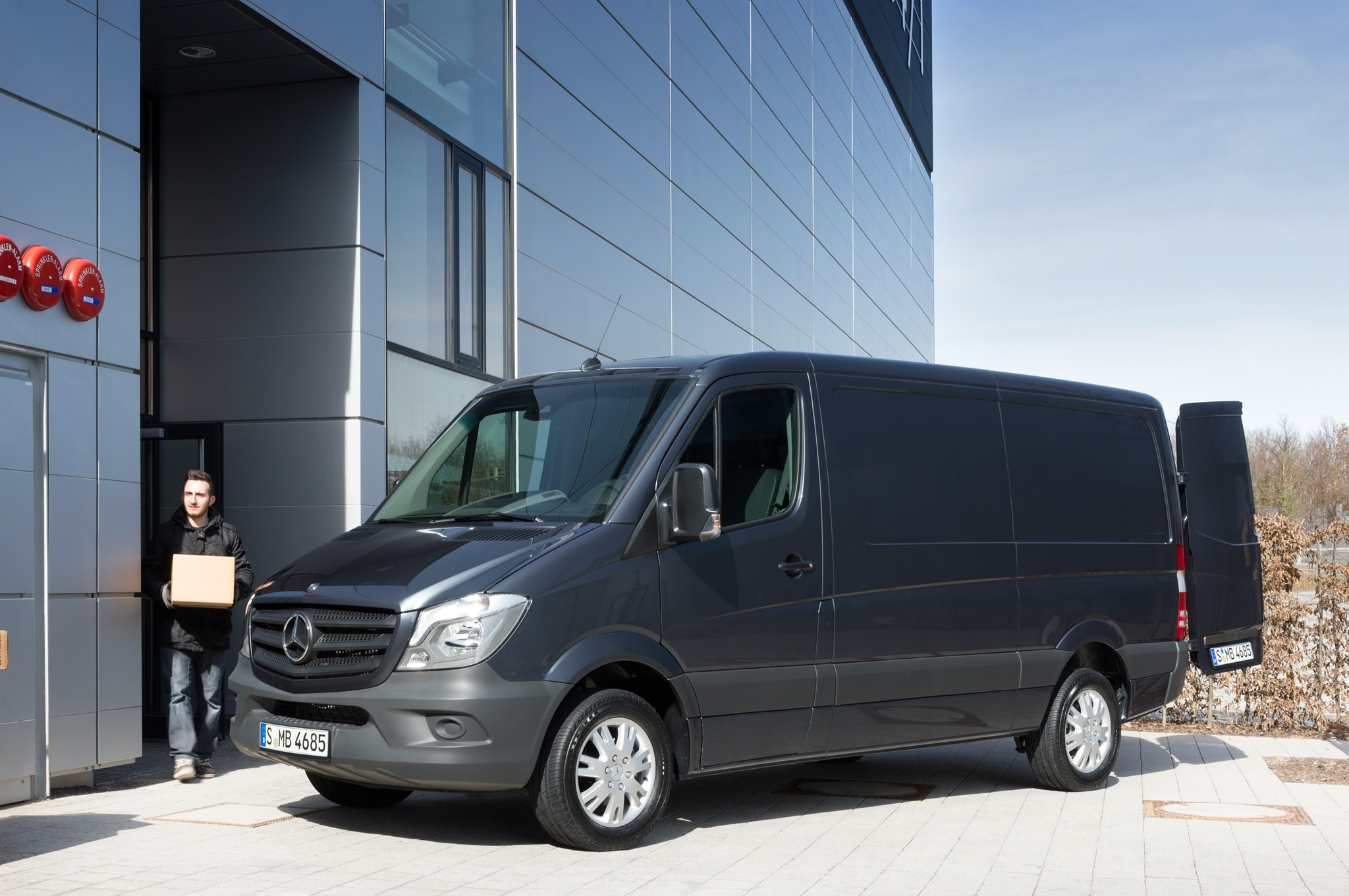2014 Mercedes Benz Sprinter Front Three Quarters Load