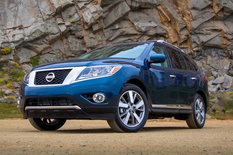 2013 Nissan Pathfinder Three Quarters Drivers View