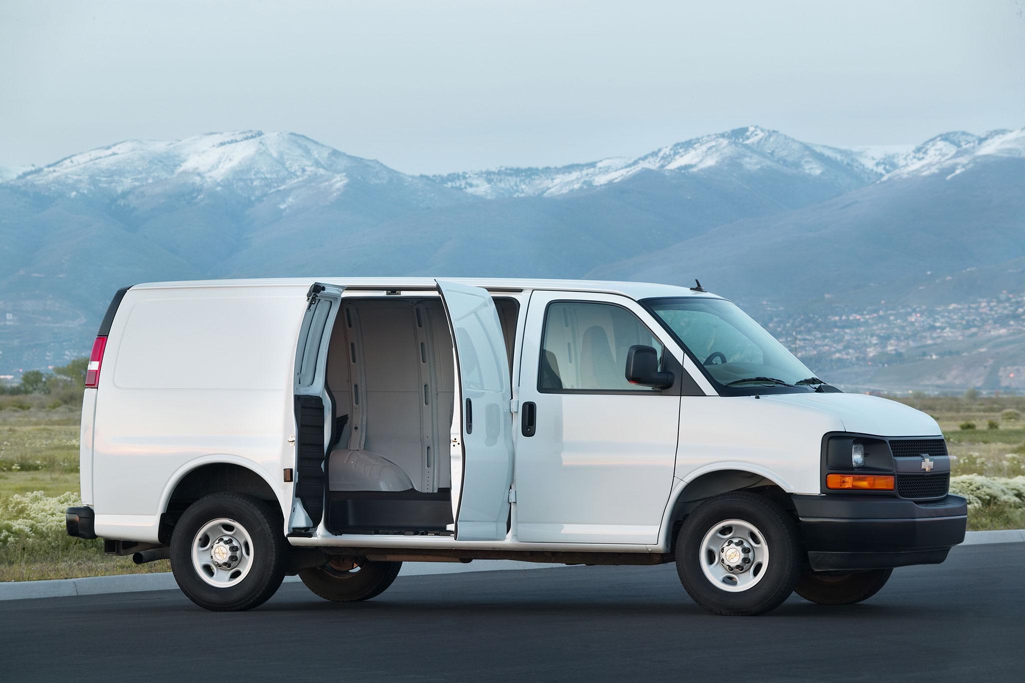 General Motors Fits 2 8l Duramax To Chevrolet Express And Gmc Savana