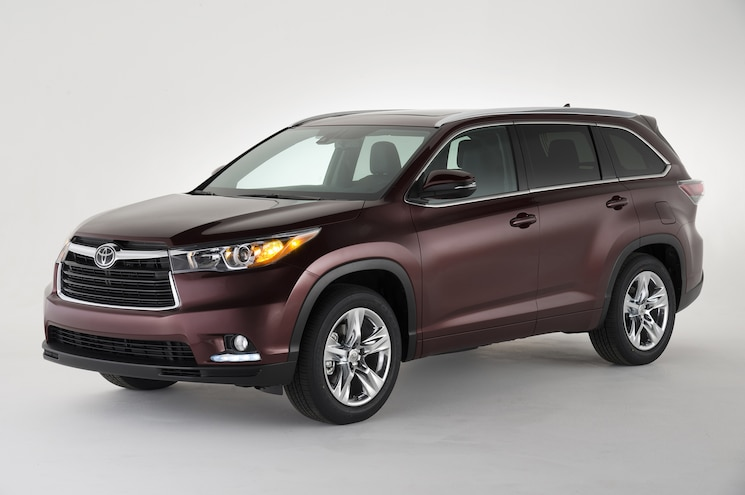 2014 Toyota Highlander Three Quarters Drivers Front View