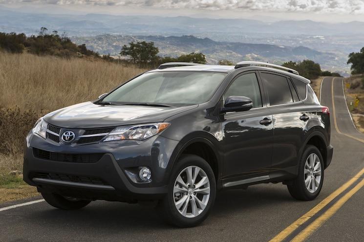 2014 Toyota RAV4 Front View