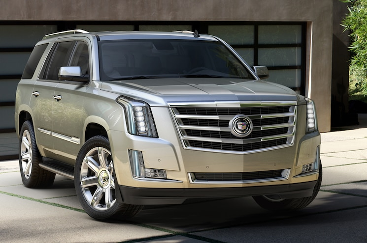 2015 Cadillac Escalade Front Three Quarters View 03