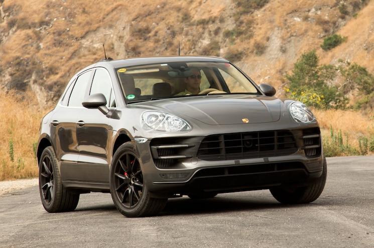 2015 Porsche Macan Front View 03