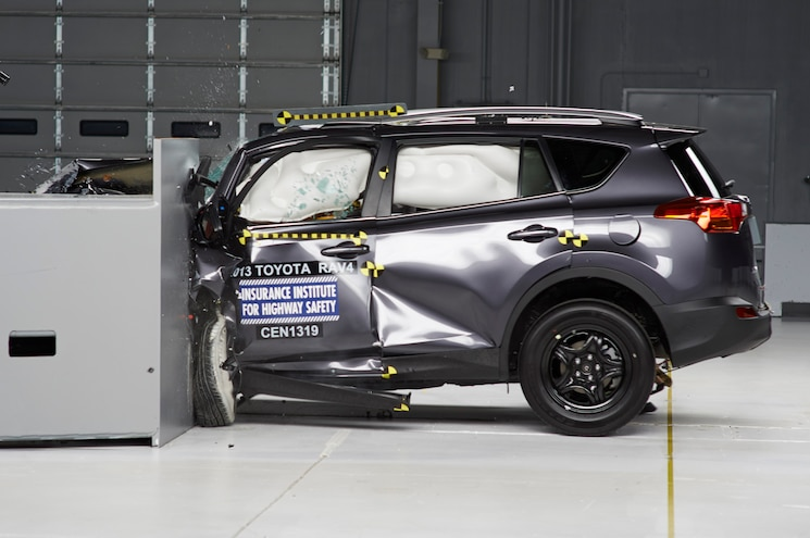 IIHS Considering Reevaluating Offset Crash Tests, Passenger Protection