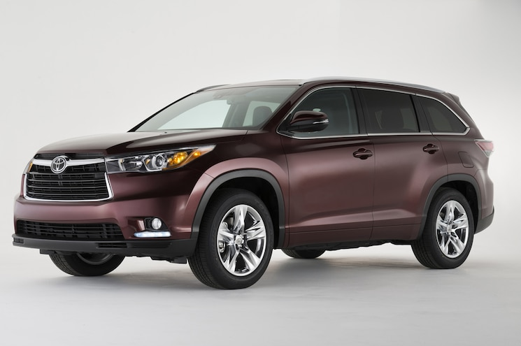 2014 Toyota Highlander Front Three Quarter View