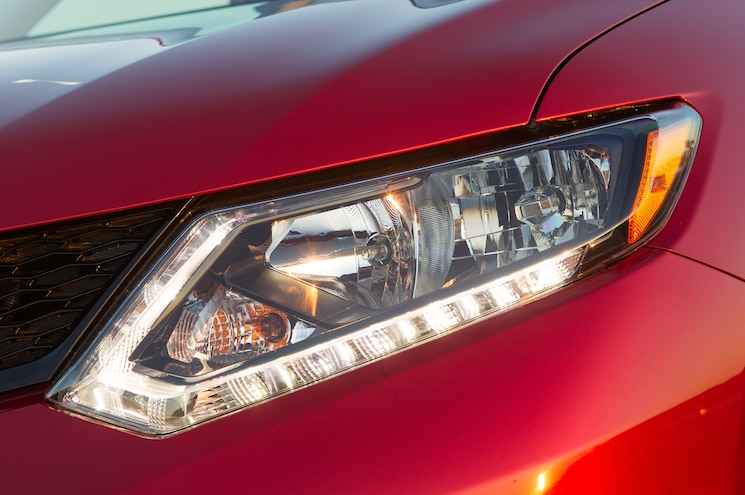 IIHS Finds Most Small SUV models Have Deficient Headlights