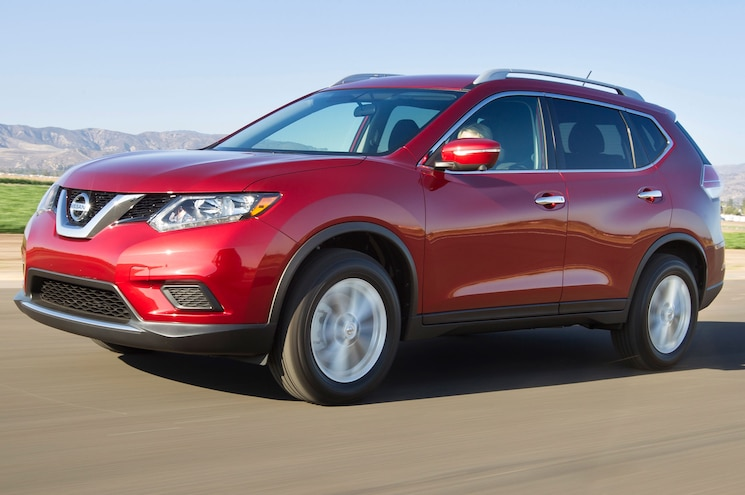 2014 Nissan Rogue Front Side View
