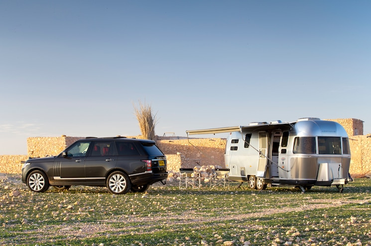 2013 Range Rover Airstream 684 International Camping